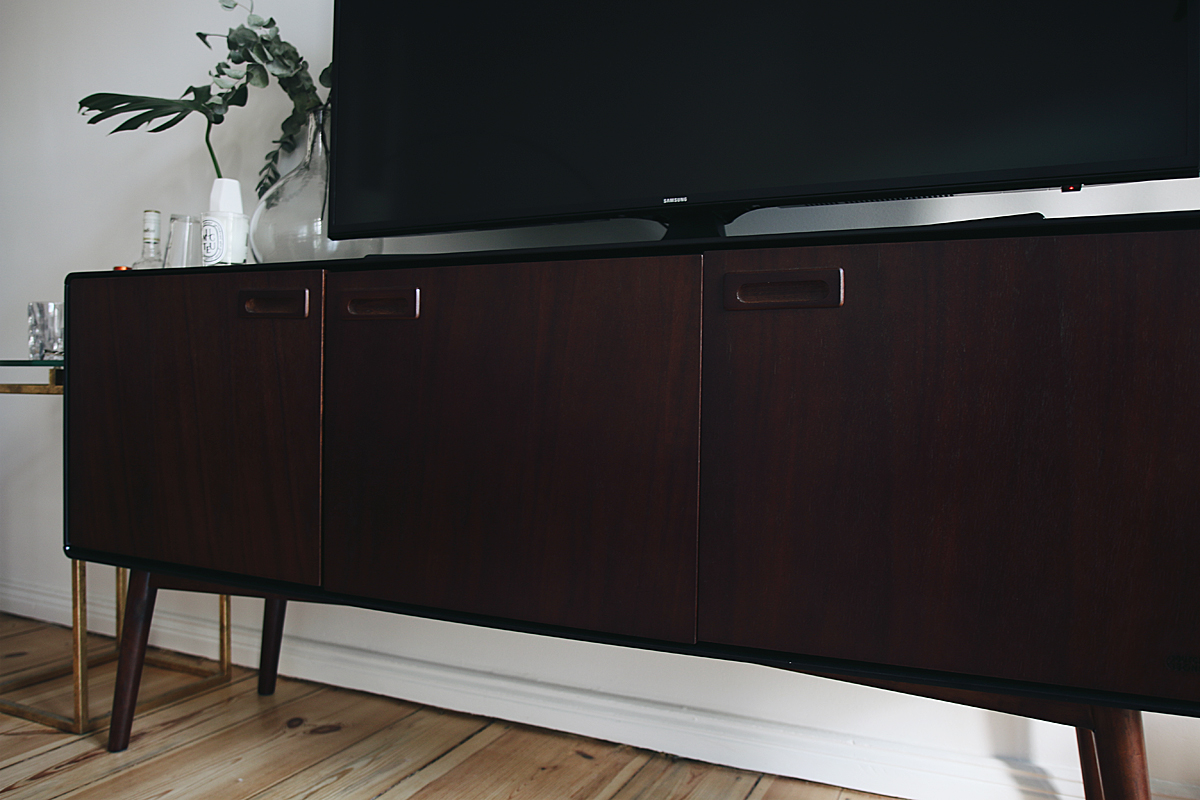 Interior Inspiration - The living room. 60s wooden sideboard