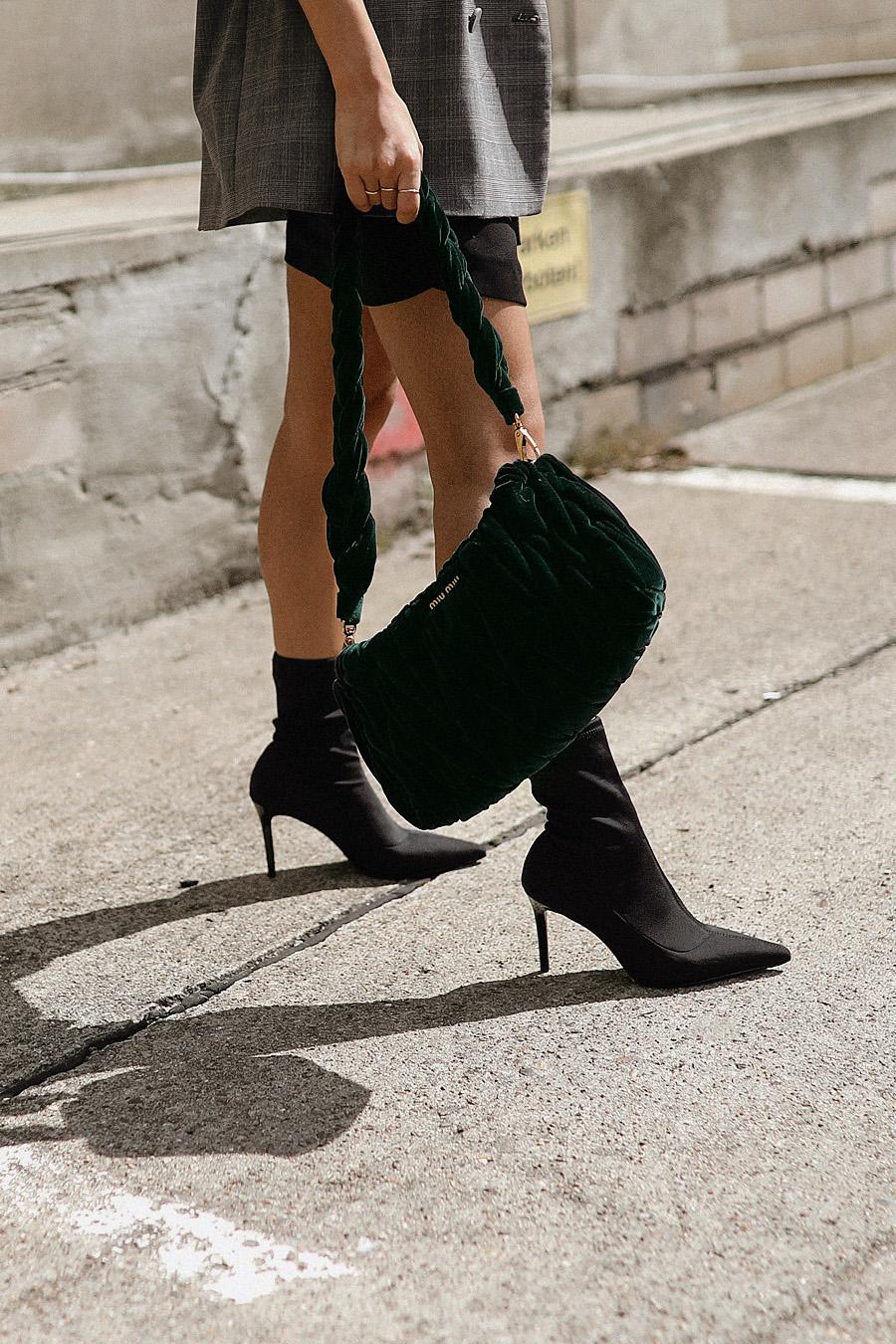 Outfit: Céline Sunglasses, Checked Blazer, Stretch Heels alla Balenciaga Knife Boots, Miu Miu Velvet Bag, Print Shirt