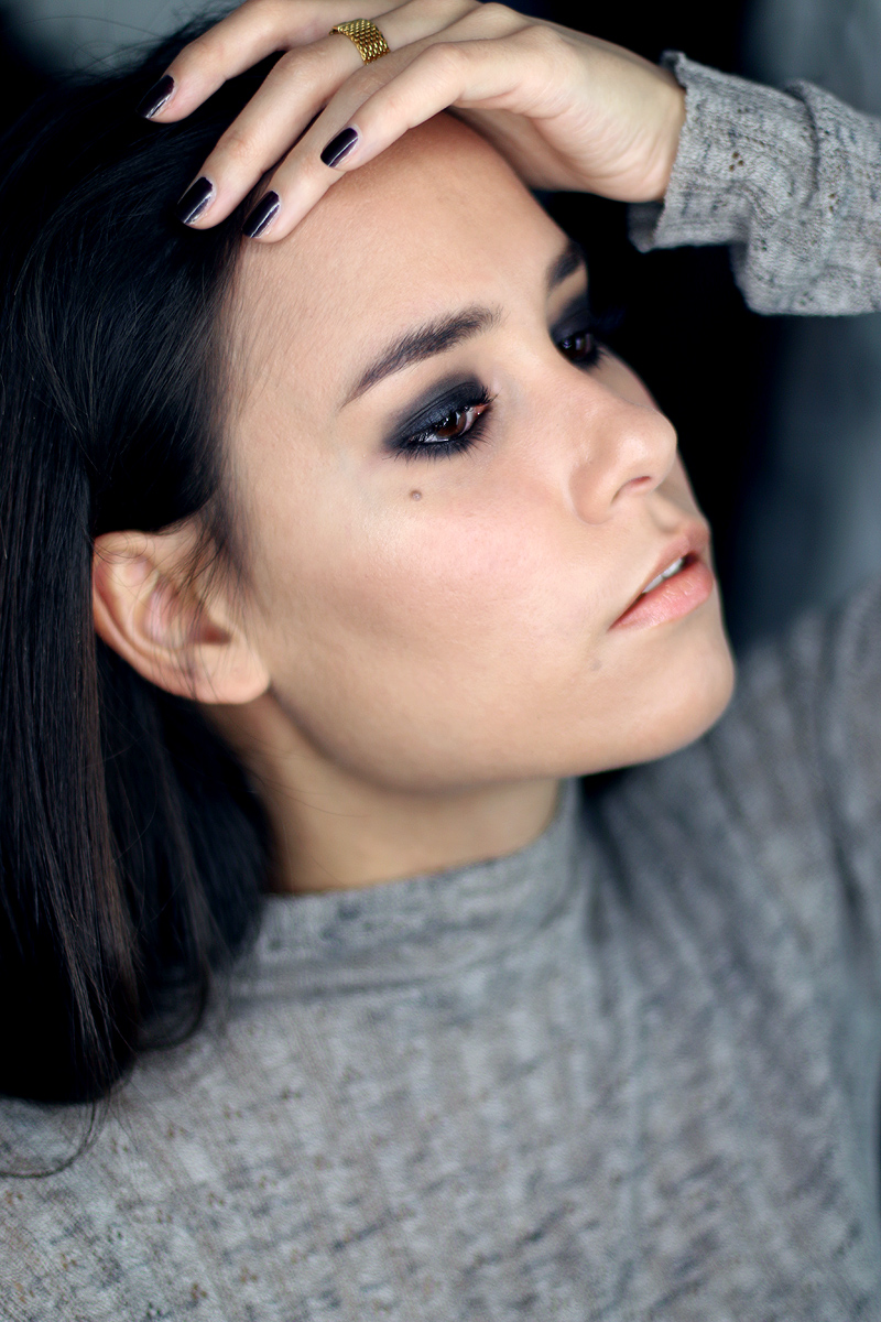 Smokey Eyes Make-Up Look (Video)