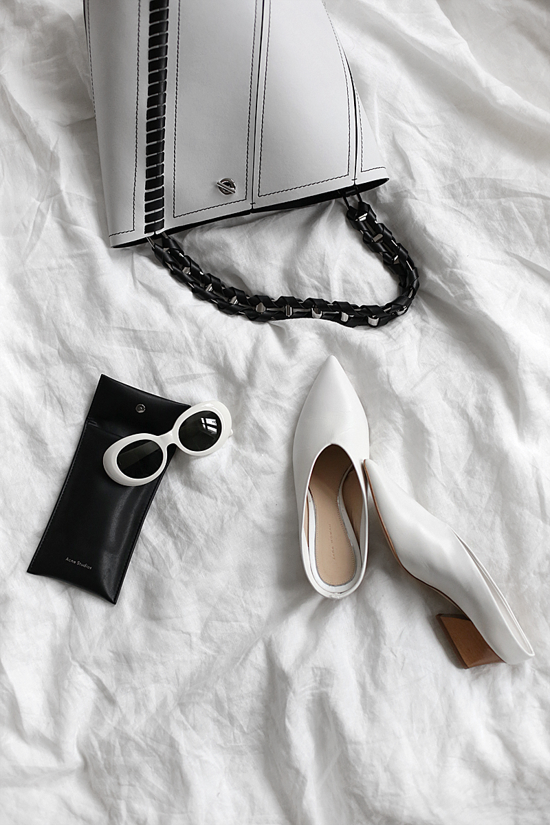 Micro Trends: White Accessories, Corsets & Statement Straps