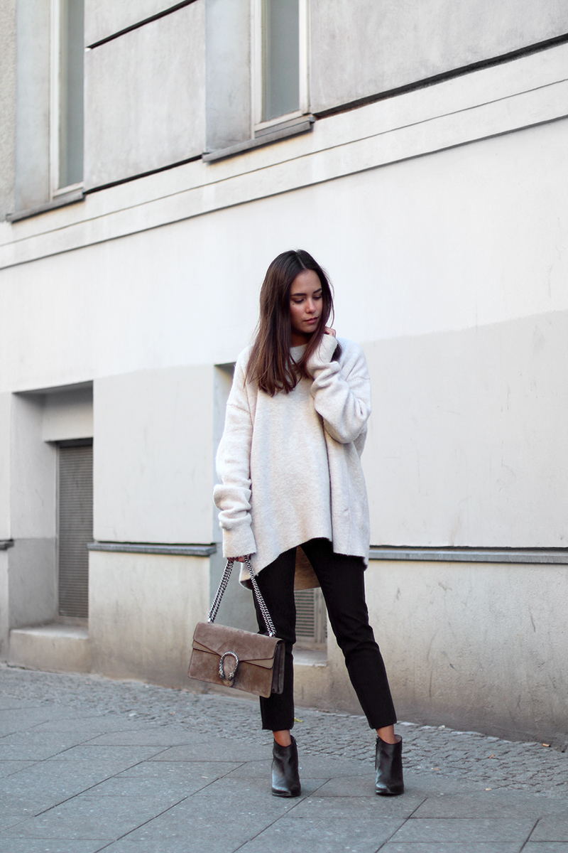 Video: Outfits for Fall - with black pants